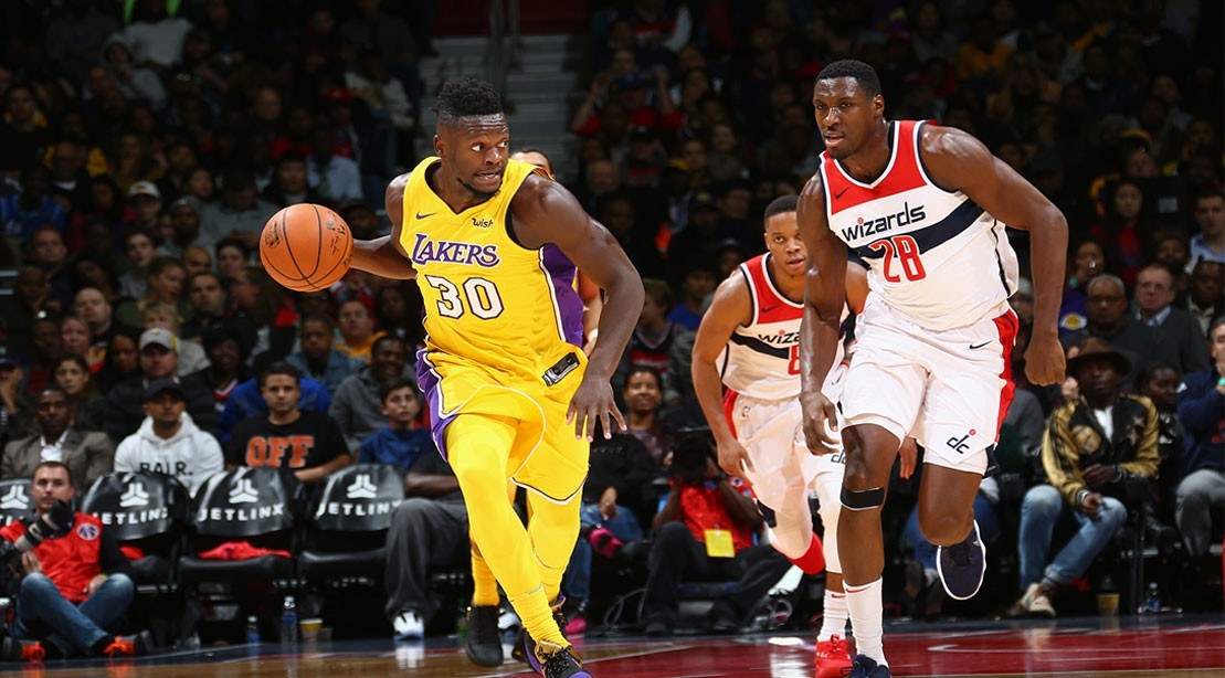 Julius Randle #30 of the Los Angeles Lakers