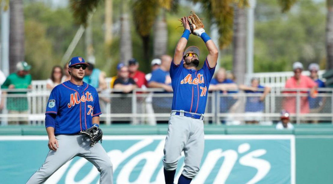 Watch: Mets prospect catches flying bat with one hand and is completely chill about it