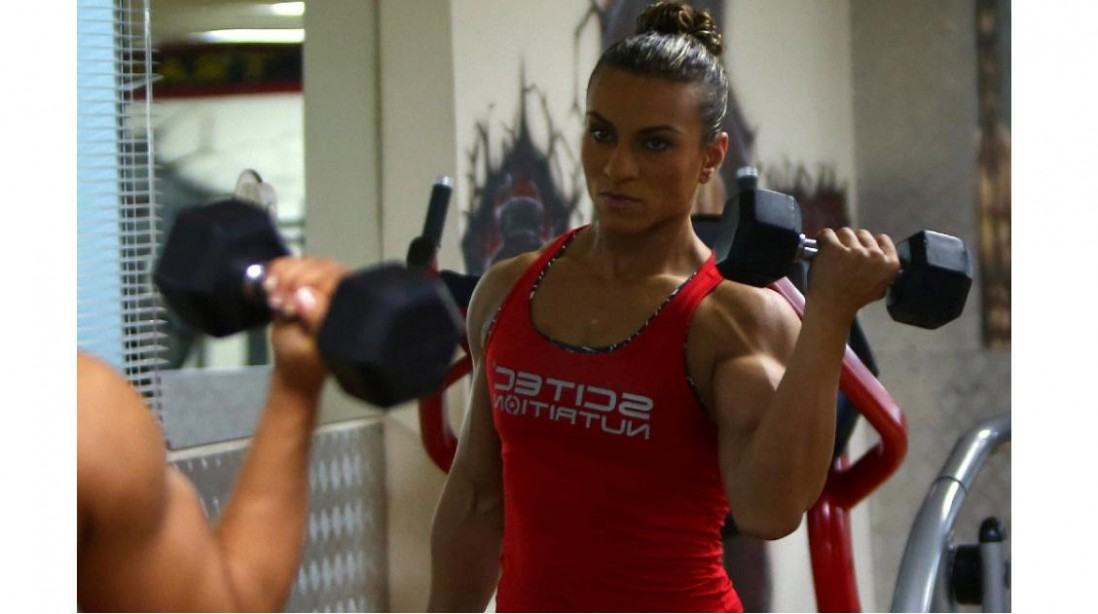 Female Arab Bodybuilder Searches for Recognition