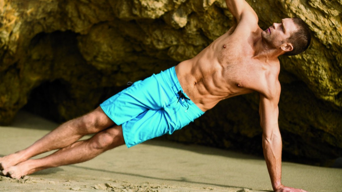 Linebacker's Circuit Workout Keeps You Sweating