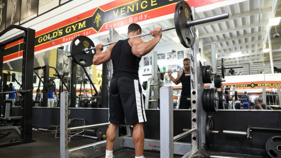 5 Reasons Your Squat Sucks Muscle Amp Fitness
