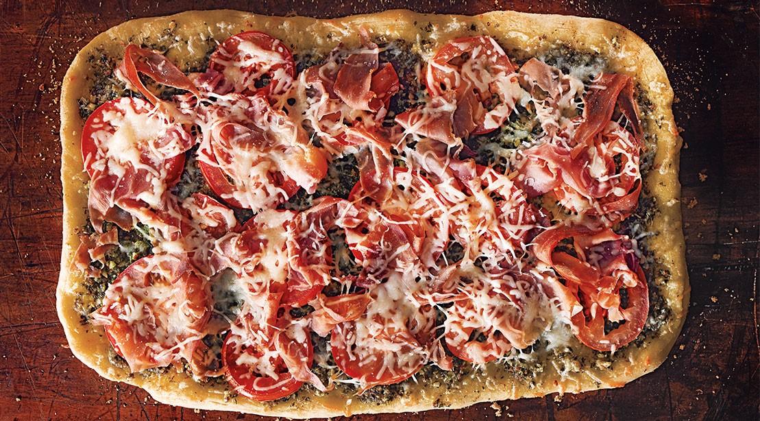 Sun Dried Tomato Prosciutto Pesto Flatbread