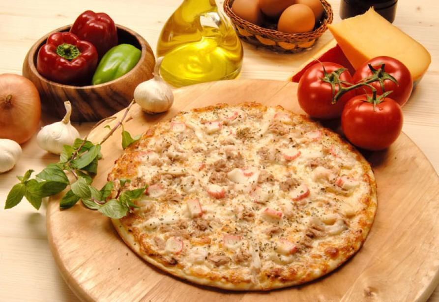 10 Minute Meal: Mushroom-Chicken Pizza