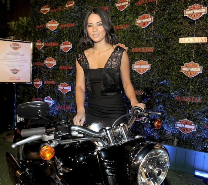 Hot Girls Who Ride Harley-Davidson Motorcycles  Muscle -6247