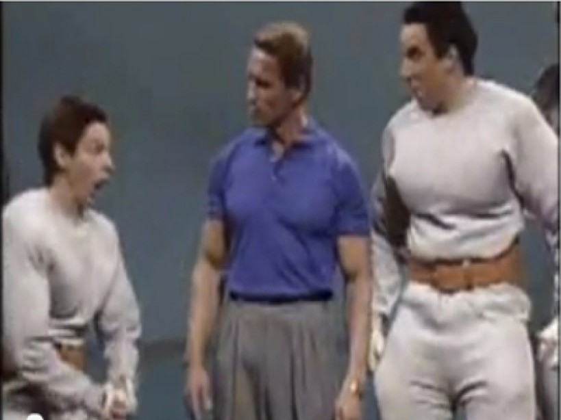 "Arnold Shows How To ""PUMP YOU UP"""