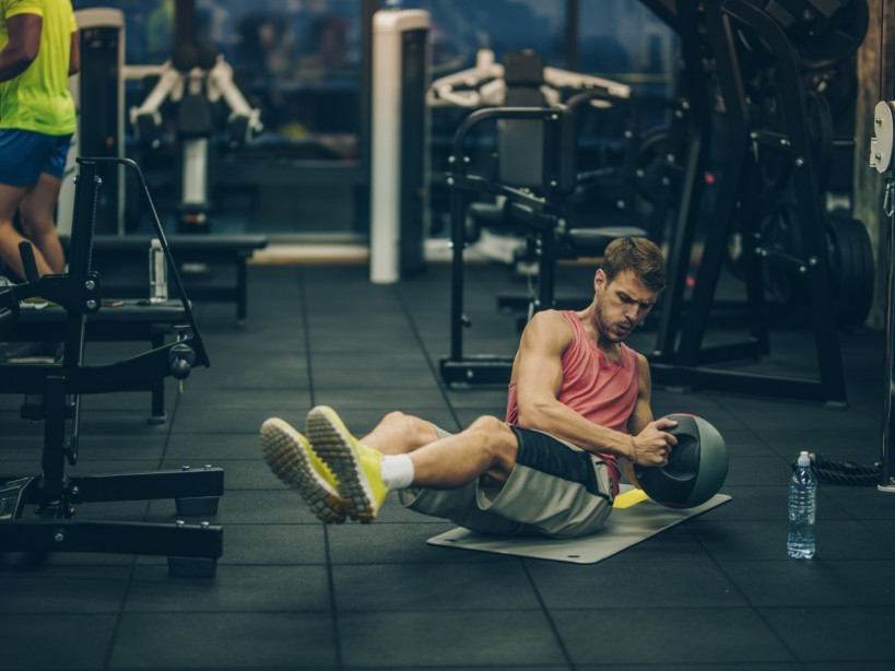 The 30-Minute Abs Workout Program: Hit every part of your obliques on day 6