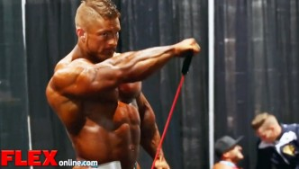 2014 Olympia Pump Up Room: Flex Lewis!
