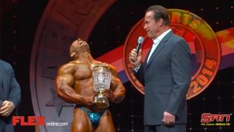 Arnold Congratulates Flex Lewis on His Victory!