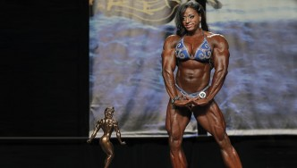 Chicago Pro Women's Bodybuilding Champ Monique Jones