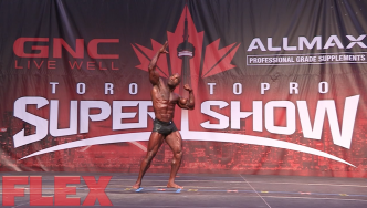 2016 Toronto Pro Classic Physique Routine: Darrem Charles