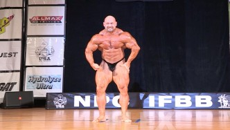 Branch Warren Guest Posing at the 2015 Pittsburgh Pro