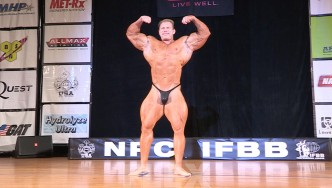 Dennis Wolf Guest Posing at the 2015 Pittsburgh Pro