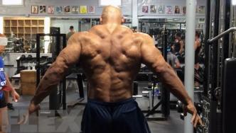 Juan Morel Posing 2 Weeks Before the 2015 Olympia