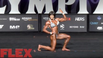 The Posing Routine of 2017 Women's Physique Olympia Runner Up, Jennifer Taylor