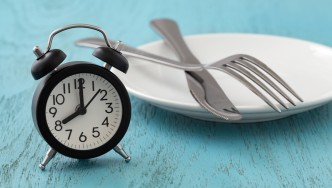 Clock-With-Plate-Knife-Fork