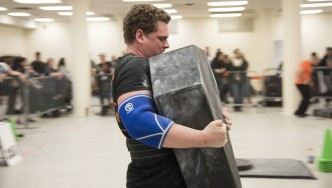 Andrew Gutman at Strongman competition