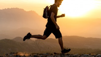 Male-Trail-Running-Sunset