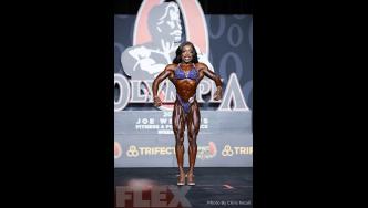 Nadia Wyatt - Figure - 2019 Olympia