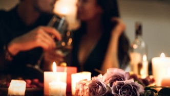 Romantic-Dinner-Date-Candles-Flowers
