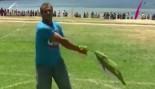 Aussies Toss Tuna at Tunarama Festival thumbnail