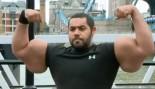 Big Mo Flaunts Some REALLY Big Arms thumbnail