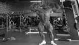 Dennis James Posing Before the 2000 Olympia thumbnail