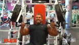 Jay Cutler Trains Chest and Triceps thumbnail