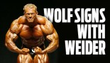WOLF SIGNS WITH WEIDER thumbnail