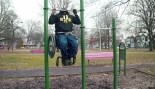 Man In Wheelchair Busts Out 15 Pullups thumbnail