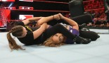 Ronda Rousey vs. Nia Jax on WWE Raw June 11, 2018 thumbnail