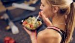 Fitness-Girl-Eating-Salad thumbnail