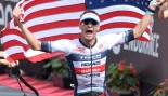 Iron-Man-Racer-Tim-ODonnell-Finish-Line-Carry-American-Flag miniatura