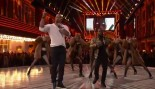 The Rock and Kevin Hart Rap about Leonardo DiCaprio at the MTV Movie Awards thumbnail