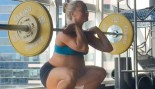 Mom Lifted At 9 Months Pregnant Shows Off Sleek Abs thumbnail