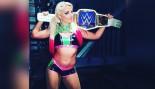 Alexa Bliss Takes WWE SmackDown Women's Title thumbnail