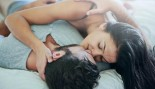 Kissing Couple In Bed Sex thumbnail