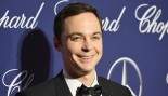 Jim Parsons Crushes Weight In The Gym thumbnail
