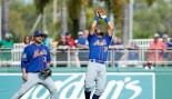 Watch: Mets prospect catches flying bat with one hand and is completely chill about it thumbnail