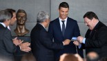Cristiano Ronaldo Honored With Statue At Airport thumbnail