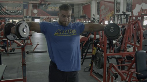 Chris Bumstead's Off-Season Shoulder Training thumbnail