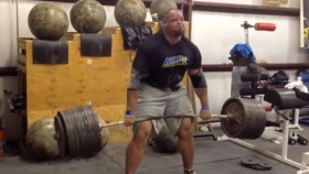 World's Strongest Man Deadlifts 985 Pounds! Video Thumbnail