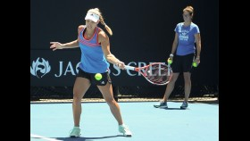 Tennis star Angelique Kerber hits the court in a public training session thumbnail
