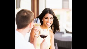 16 Real Women on Their Top Insecurities on a Date thumbnail