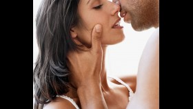 10 moves she's begging you to make during foreplay  thumbnail