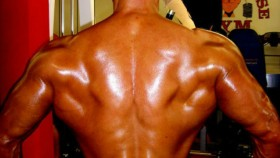 Quick Tip: Pose for Wider Lats thumbnail