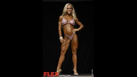 2012 Toronto Pro - Women's Fitness - Nichole Venzara thumbnail