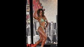 Vicki Counts - Womens Figure - 2012 Chicago Pro thumbnail