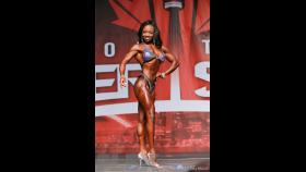 Laurelle Martineau - Figure - 2016 IFBB Toronto Pro Supershow thumbnail