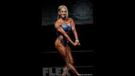 2016 IFBB Vancouver Pro: Women's Physique - Mindi O'Brien thumbnail
