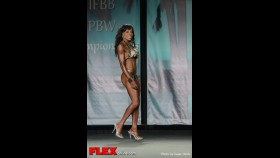 Brenda Lauver - 2013 Tampa Pro - Figure thumbnail